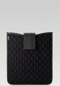 Gucci_ipad-case1