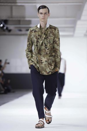 Dries-Van-Noten-4_sff