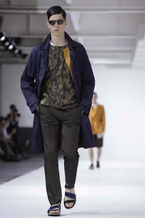 Dries-Van-Noten-10_sff