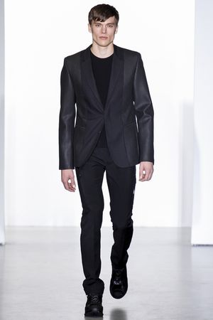 Calvin-klein-milan-fashion-week-fall-2013-03