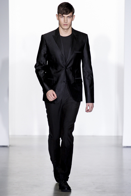 Calvin-klein-milan-fashion-week-fall-2013-38