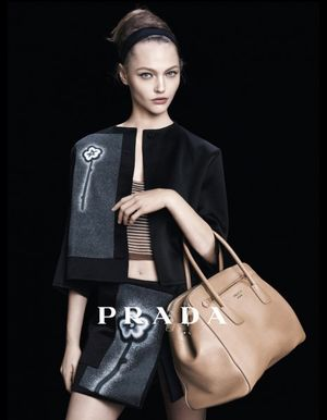 Prada-campagne-ete-2013_reference