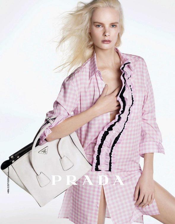 2-Prada-Femme-FW-Hiver-2013-Pub-Ad