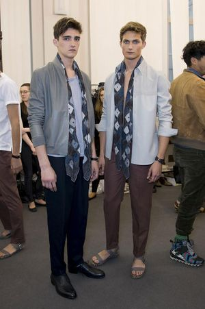 Hermes-mens-backstage-spring-summer-2014-pfw15