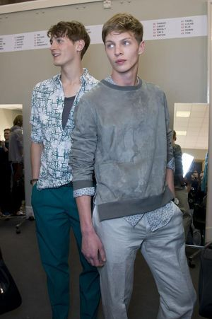 Hermes-mens-backstage-spring-summer-2014-pfw30