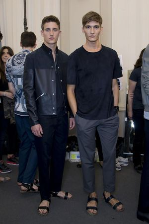 Hermes-mens-backstage-spring-summer-2014-pfw33