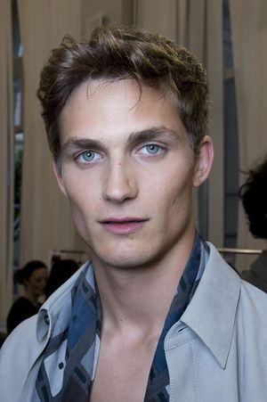 Hermes-mens-backstage-spring-summer-2014-pfw22